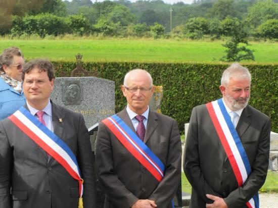 Au monuments aux morts