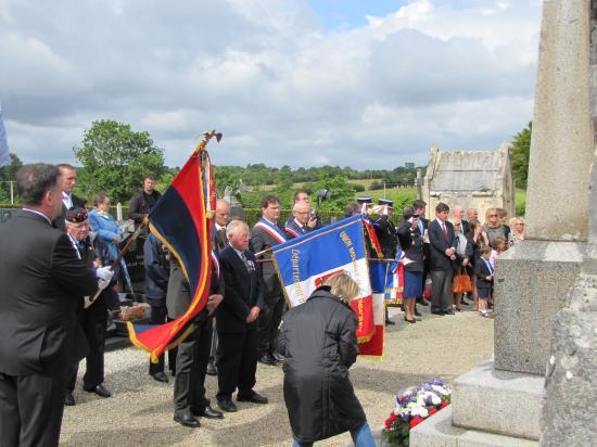 Honneurs au cimetière